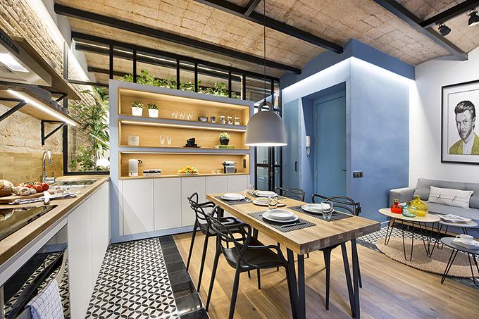 40 кв. м малък цветен апартамент в Барселона_2