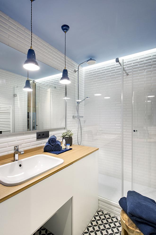 40 кв. м малък цветен апартамент в Барселона_20
