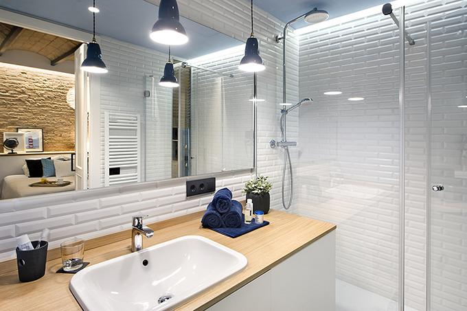 40 кв. м малък цветен апартамент в Барселона_21