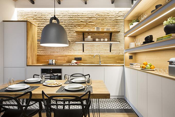 40 кв. м малък цветен апартамент в Барселона_25