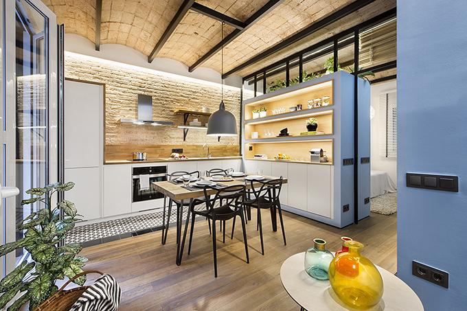 40 кв. м малък цветен апартамент в Барселона_27