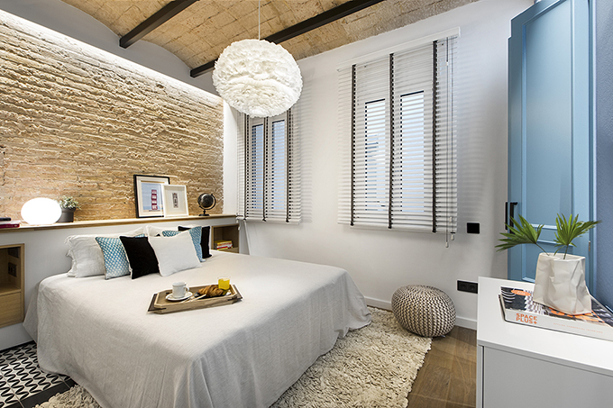 40 кв. м малък цветен апартамент в Барселона_7