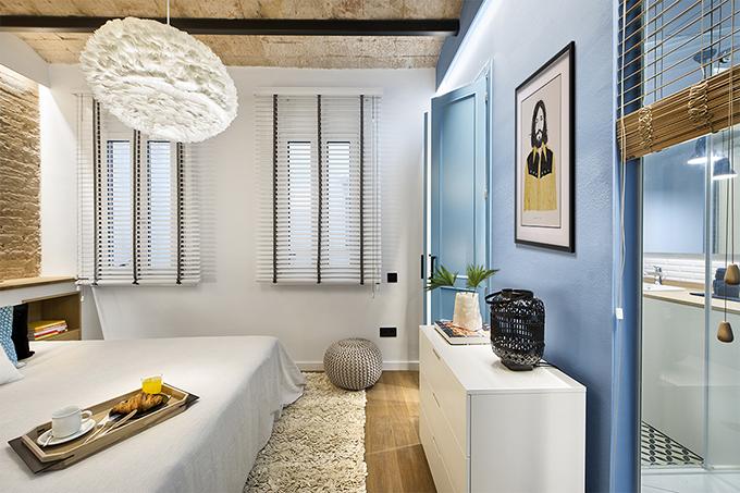 40 кв. м малък цветен апартамент в Барселона_8