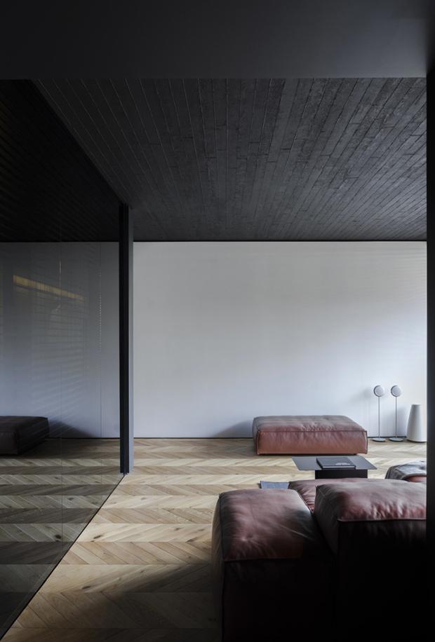 апартамент с тъмен, мъжки интериор_17