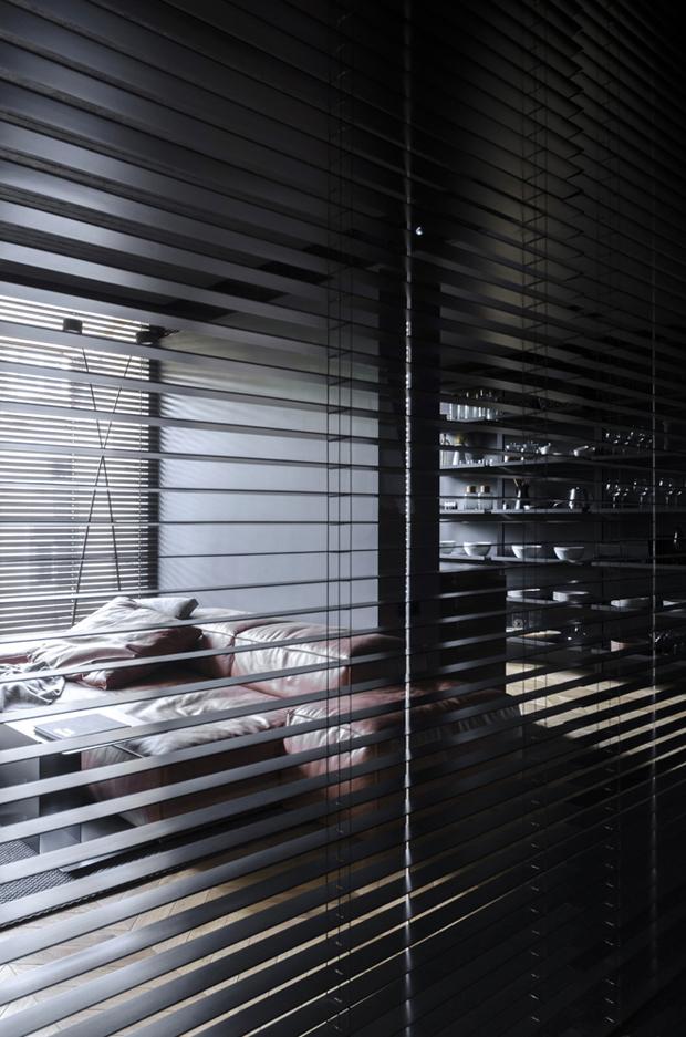 апартамент с тъмен, мъжки интериор_19