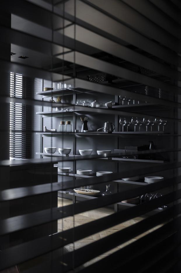 апартамент с тъмен, мъжки интериор_20