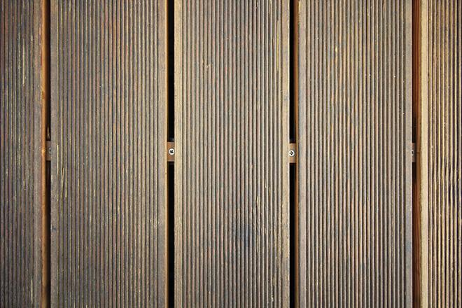 Дървен под на тераса