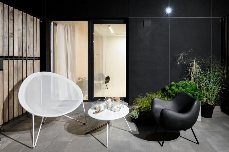 дуплекс апартамент с изчистен дизайн_тераса